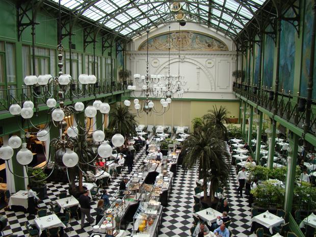 Jardim de inverno restaurante do grand hotel krasnapolsky - Best restaurants in winter garden ...